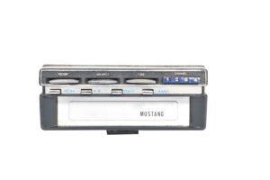 Mustang model 820-1